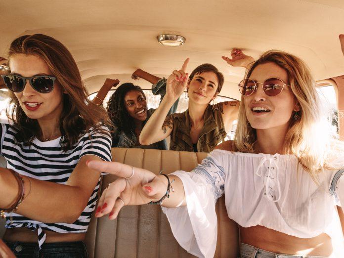 girls on a roadtrip   Nashville to Destin, FL
